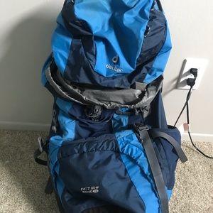 60+ 10 hiking pack